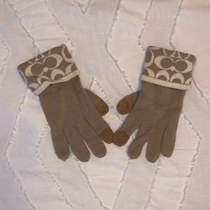 Coach Monogram Gloves